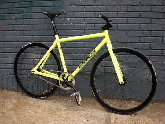 Kanye's Glow in the Dark Fixie